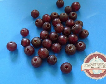 34 Red Indian glass pearls 8mm matte