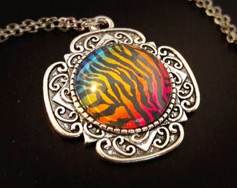 Wild, colorful stripes pattern, 20mm glass cabochon necklace
