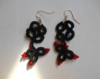 black and Red earring