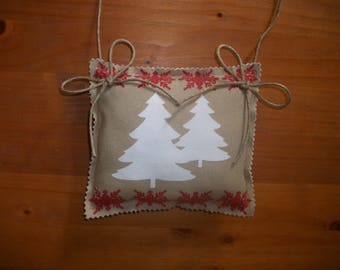 1 DOOR CUSHION SQUARE COTTAGE MOUNTAIN TREES