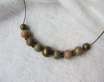 short necklace of pearls round and serpentine bronze metal chain, Khaki and salmon pink marbled Unakite gemstone round beads