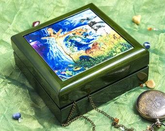 Jewellery box with an image // Precious box // Wood and ceramic // Boîte précieuse illustrée // Bois et céramique