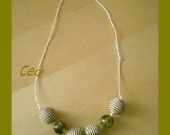Round collar and bows khaki