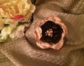 Flower 8 cm in pink and Brown satin with Rhinestone