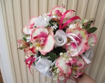 Round bridal bouquet - white and fuchsia