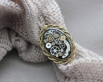 """Bronze Retro resin ring with """"Steampunk"""" gears"""