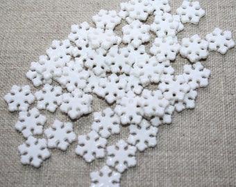 set of 50 beads acrylic snowflake shape