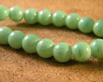 painted cracked glass - green - 8 mm PE23 20 beads