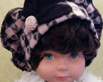 Pink and Black wool beret and his Black Fleece flower adorned with a pretty fabric button.