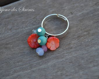 Flower ring with coral and turquoise beads