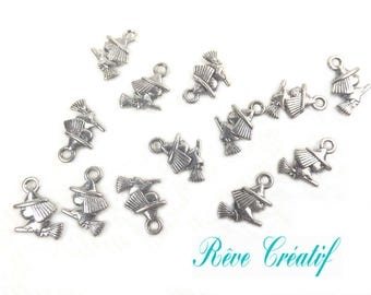 10pcs Tibetan Style Pendants, Witch, for Halloween, Antique Silver, 13x11x3mm, Hole: 2mm