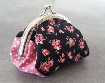 Vintage purse with small flowers