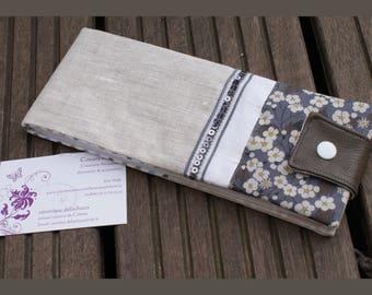horizontal wallet in coated linen