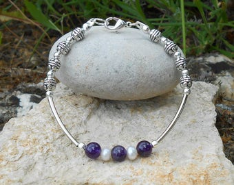Bracelet for her Amethyst beads and freshwater pearls, length 18 cm, beaded bracelet