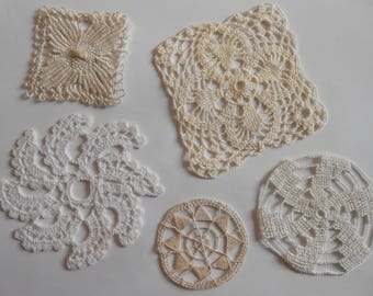 Lot 5 doilies to form various old.