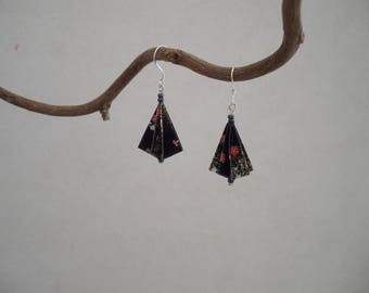 Umbrella origami earrings, paper and beads