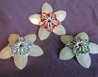 scalemaille flowers (glow in the dark)