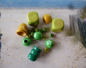 set various wood to create beads round Bell green and yellow tubes PL 148