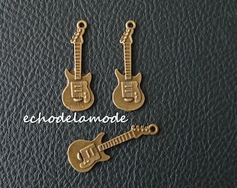 """1 package includes 3 Charms charms """"electric guitar"""""""