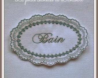 Embroidered Medallion gray bath bead