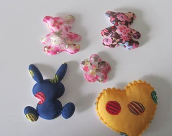 set of 5 characters, padded flower decor