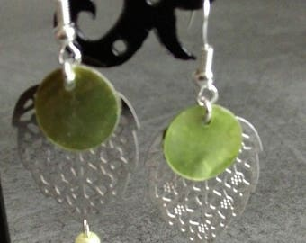 pair of earrings leaf, Pearl and beads