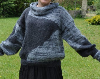 Hand knit sweater Jersey black and Grey Heather