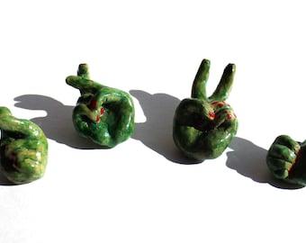Yum's Greenhand Brooch (All 4 Kinds)  グリーンハンド ブローチ(全4種類)