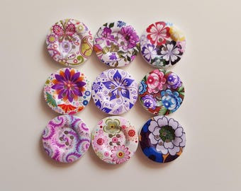 Set of 5 wooden floral buttons
