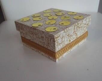 Marbled mustard square jewelry box