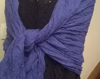 Crinkle cotton scarf or shawl