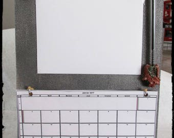 """Wall calendar with """"Pixie facetieux"""" figurine dressed as reindeer"""