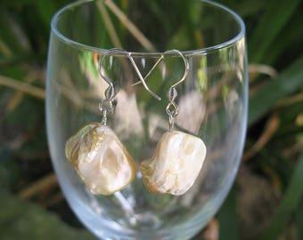 Earrings White Pearl beads