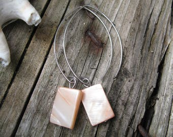Large hoop earrings Pink Pearl