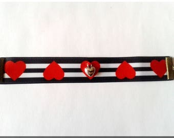 Fabric bracelet large striped grain black and white and Red hearts and V2 heart charm