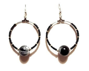 Earrings black and white glass and seed beads