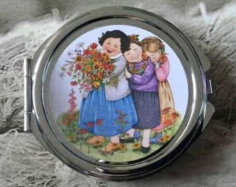 Glass cabochon silver round mirror