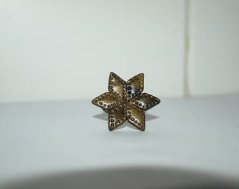 black and gold star ring