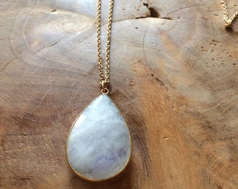 Choker necklace plated gold and Moonstone