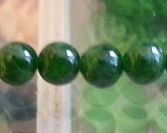 1 green diopside Pearl 6mm in diameter, hole 1 mm