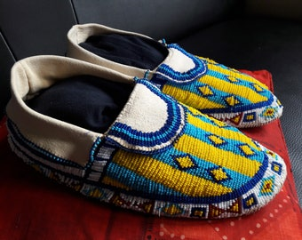 moccasins Native American made entirely by hand (replica for exhibition in the window)