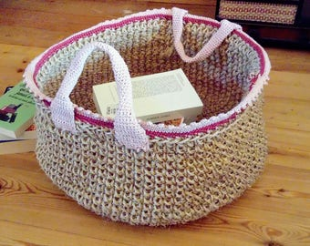 A nice basket in sisal