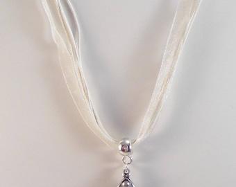 Beige Flower necklace