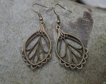 Bronze toned carved leaves earrings