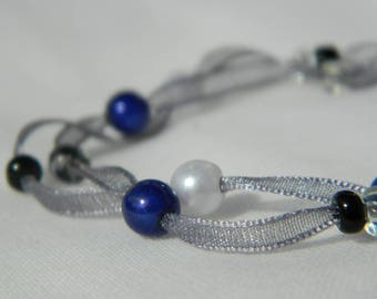 Pretty Bracelet made of organza Ribbon and pearls