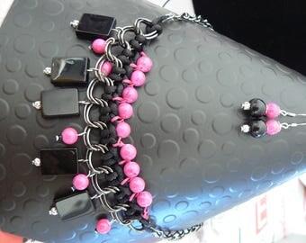 bib chain metallic hematite glass beads Fuchsia and black set