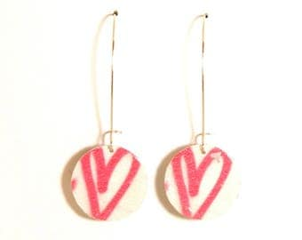 Earrings made of recycled cardboard reversible