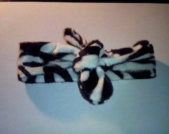 Fashionable black velvet and white striped bow headband