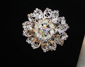 Multicolor flower brooch