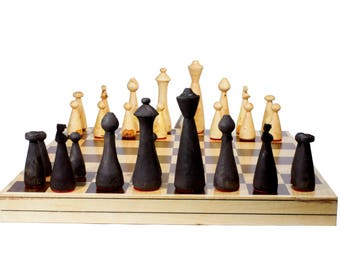 "Handmade Chess. Model ""Gota"". Foldable Board: 45 x 45 cm."